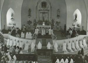 18_Église paroisse Altagracia prise d'habit 1957