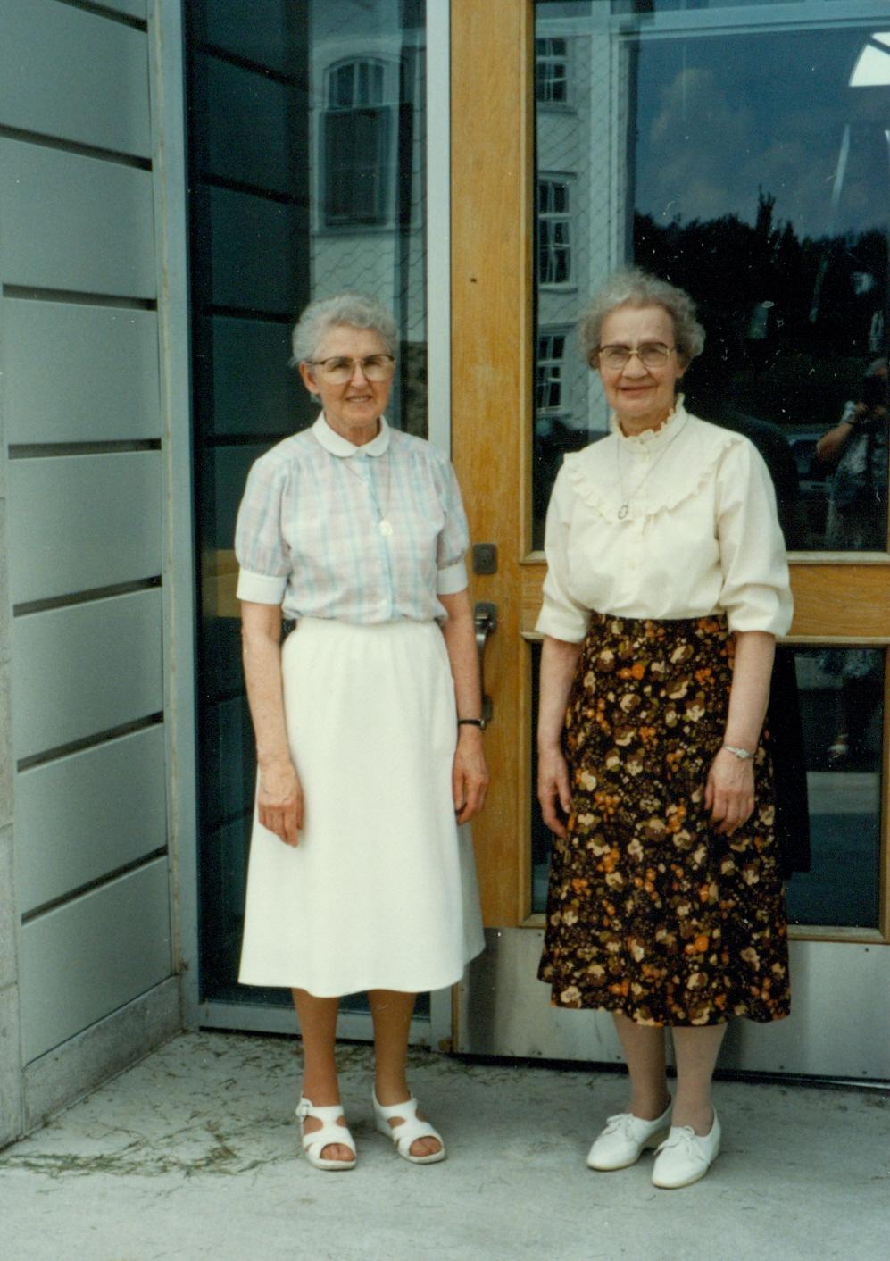 Sœur Marie-Berthe Lavertu et sœur Jeanne Pouliot, collaboratrices au Centre historique