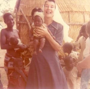 4_Soeur Marie Anna et bébé Kantchari