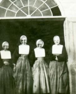 11. soeurs-1947_BAS DE PAGE